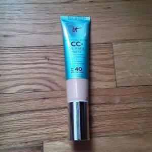 IT Cosmetics CC Matte NWOB